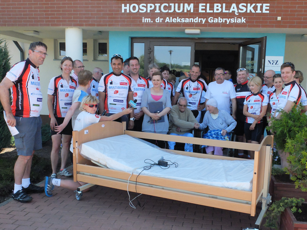 Cycle Poland 2016 visits the Elblag hospice